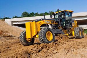Грейдер John Deere 772G — 19,5 тонны